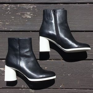Camper Lea 39 B+W Leather Colorblock Ankle Boots